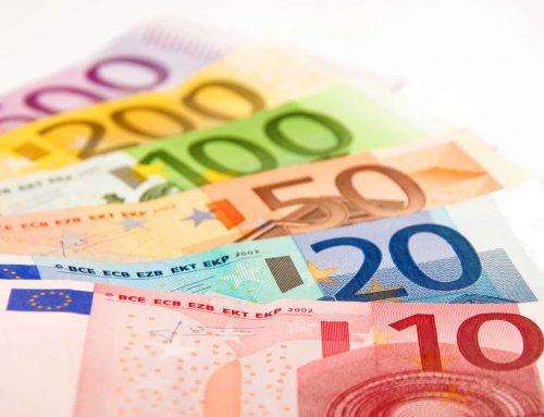 Damit du nicht in Altersarmut kommst: So viel Geld brauchst du in 20 Jahren